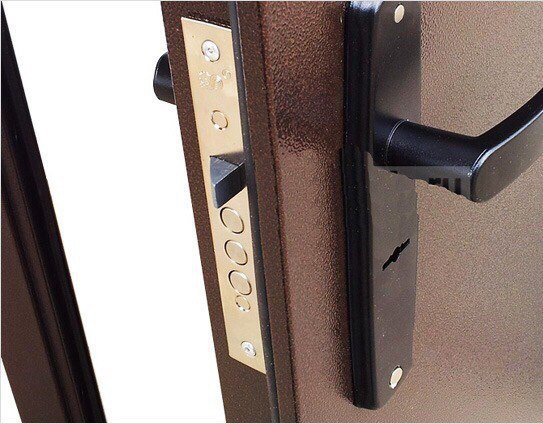 Как утеплить железную дверь
