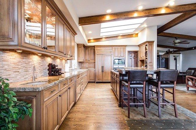 Создаем идеальный подвесной потолок на кухне