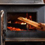 Как обогреть дом –технологии обогрева камином